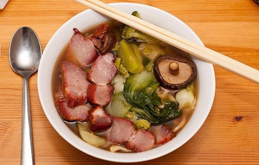 Chinska zupa z mięsem