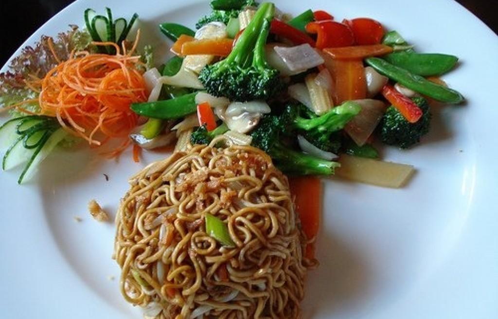 Makaron ryżowy z sosem sojowym