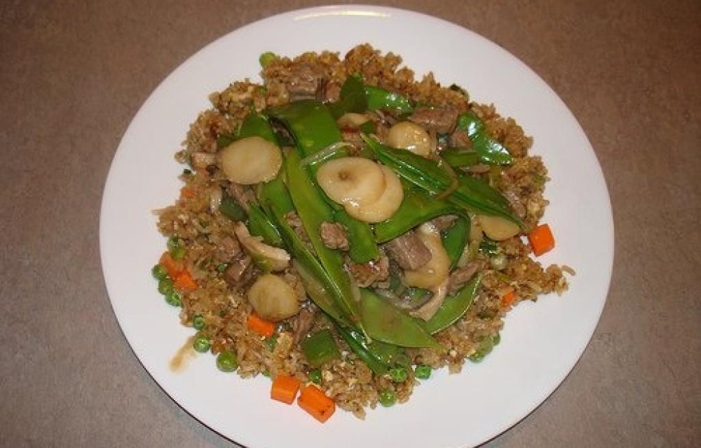 Wołowina z ryżem i bananami