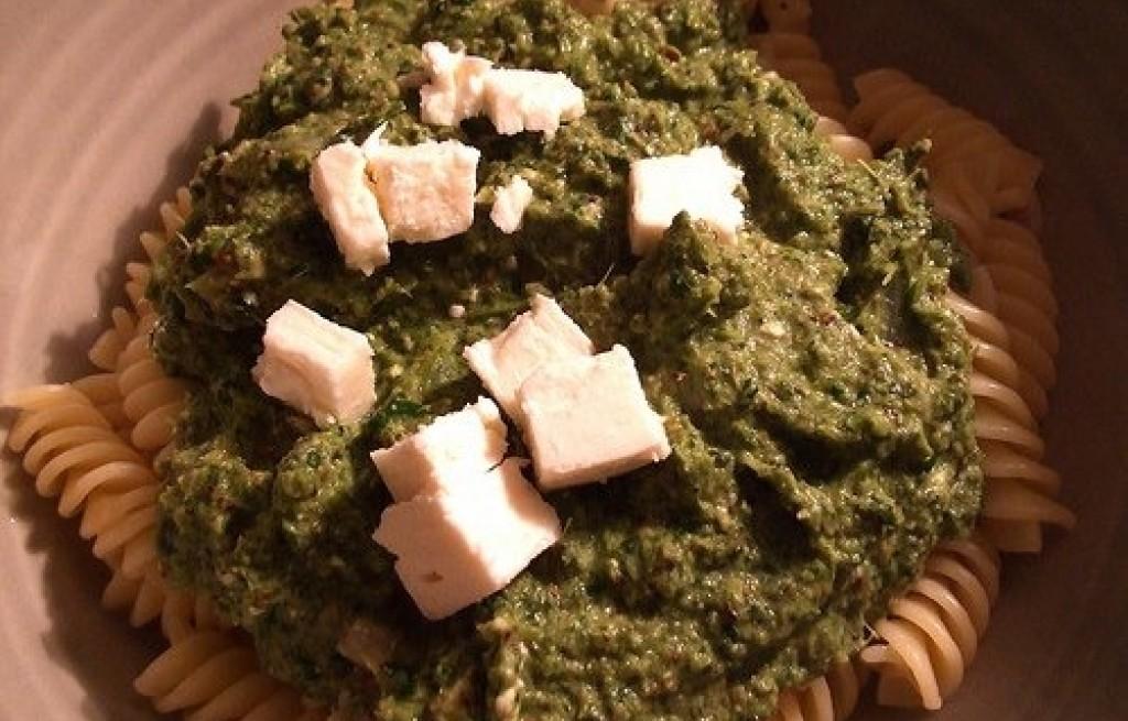Makaron z pastą brokułową