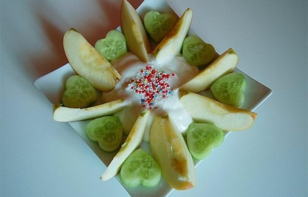 Sałatka ogórkowo-jabłkowa