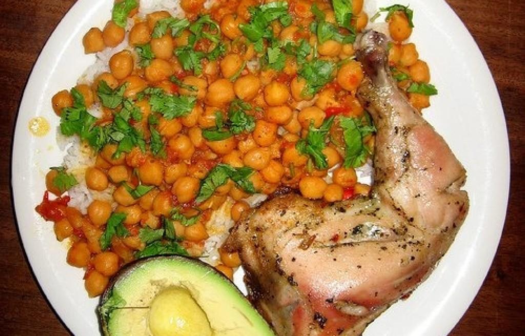 Kurczak z ryżem i ciecierzycą