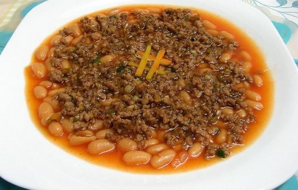 Fasola z mięsem mielonym