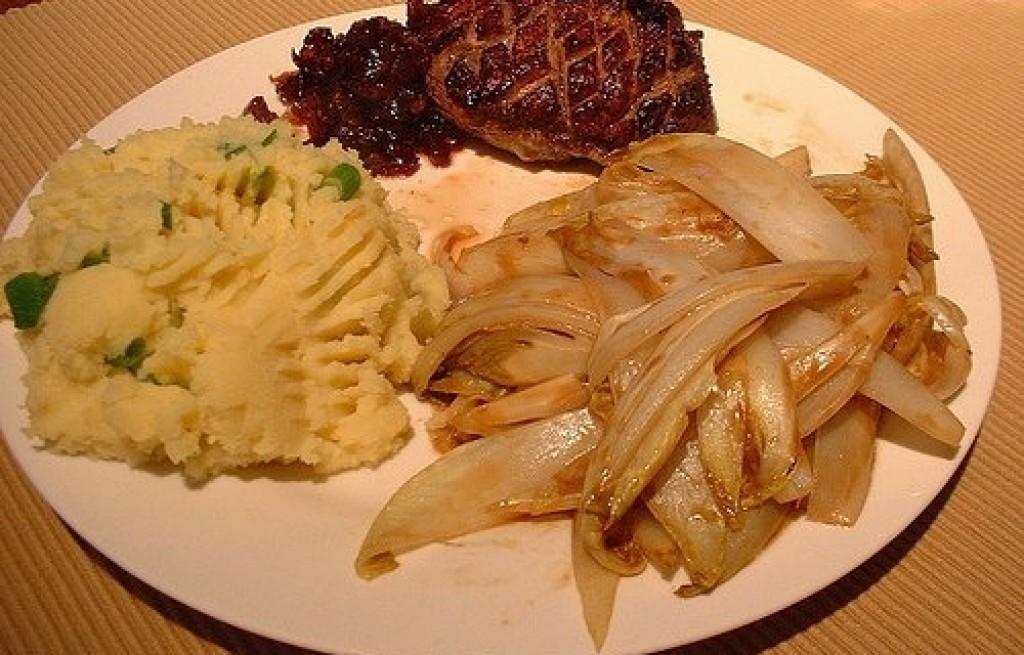 Cykoria z ziemniakami i mięsem