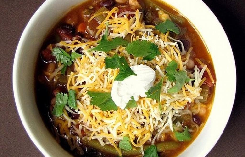 Zupa warzywna z awokado