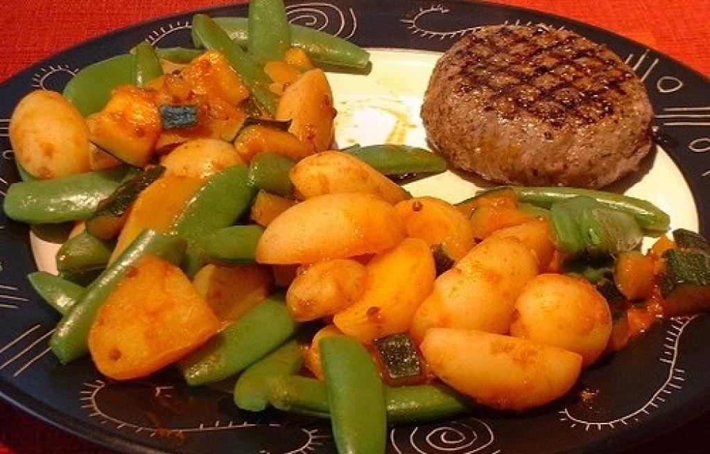 Kotlet mielony z fasolą i ziemniakami