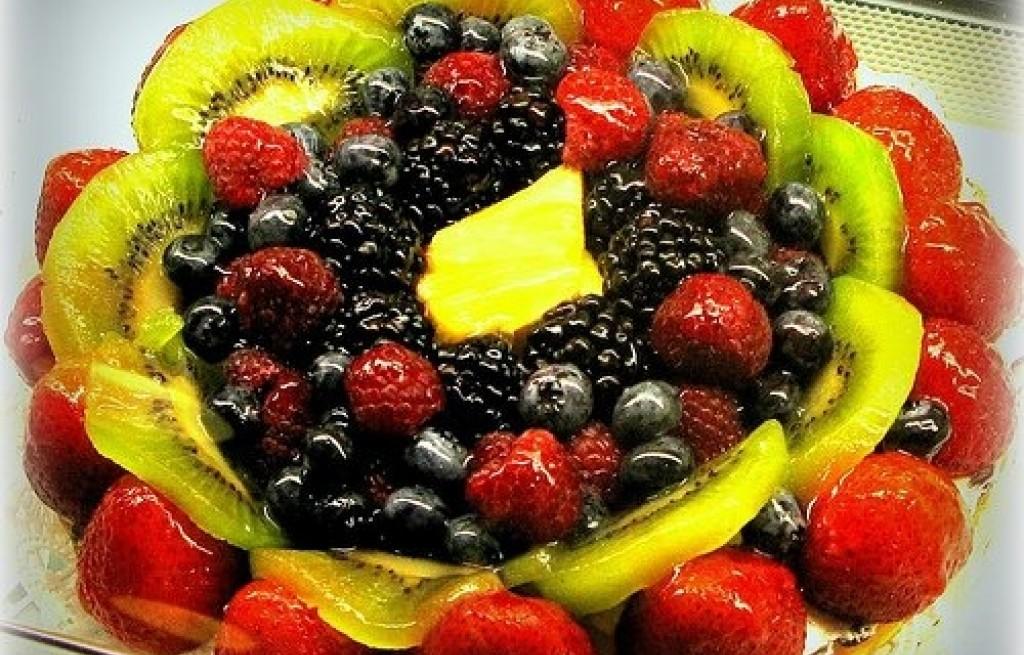 Tarta z owocami i masą budyniową