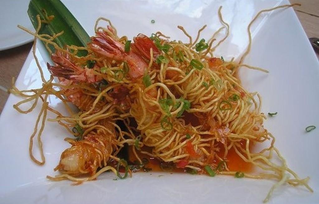 Krewetki w makaronie ryżowym