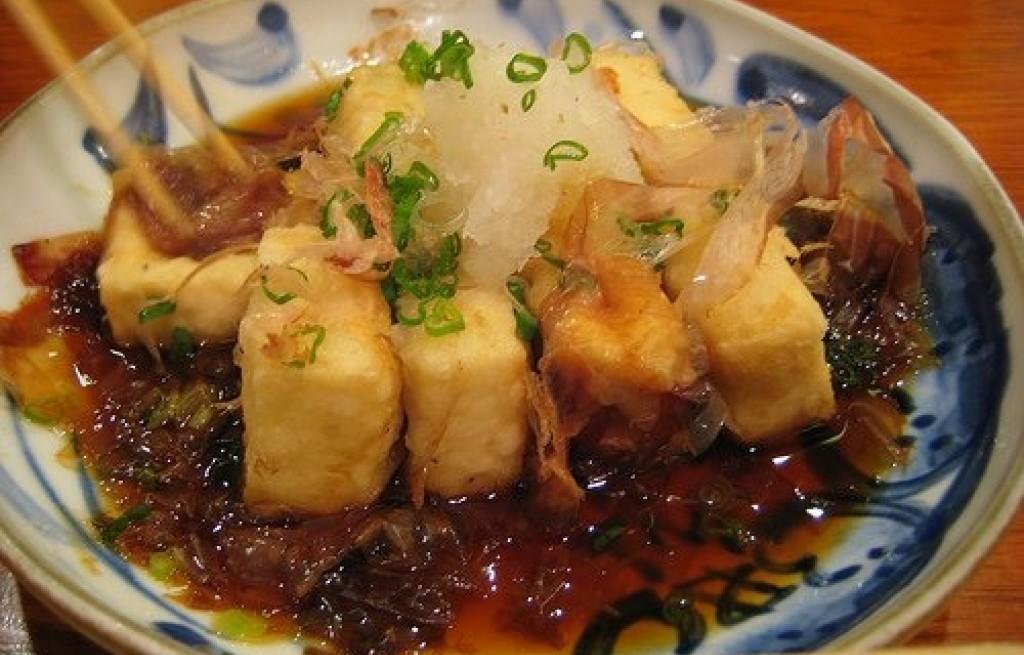 Tofu z karmelizowaną cebulą