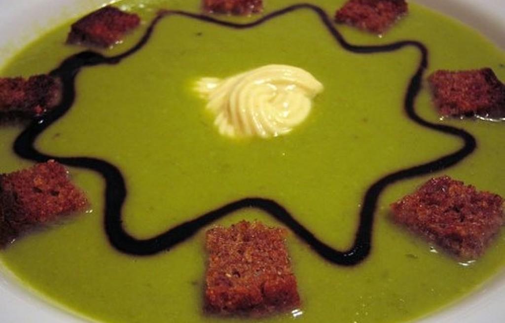 Grochówka z zielonego groszku