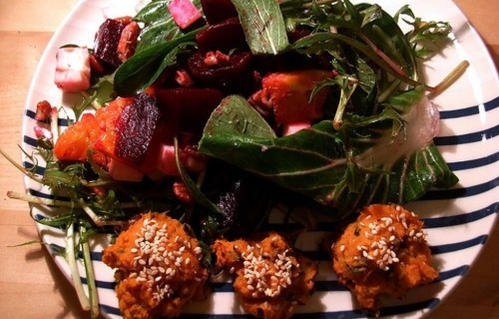 Sałatka z buraczków, fig, soczewicy i kapusty