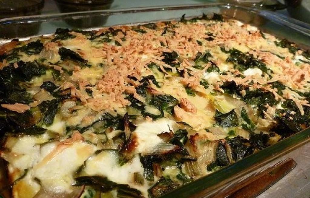 Zapiekanka z botwinką, tuńczykim i cukinią