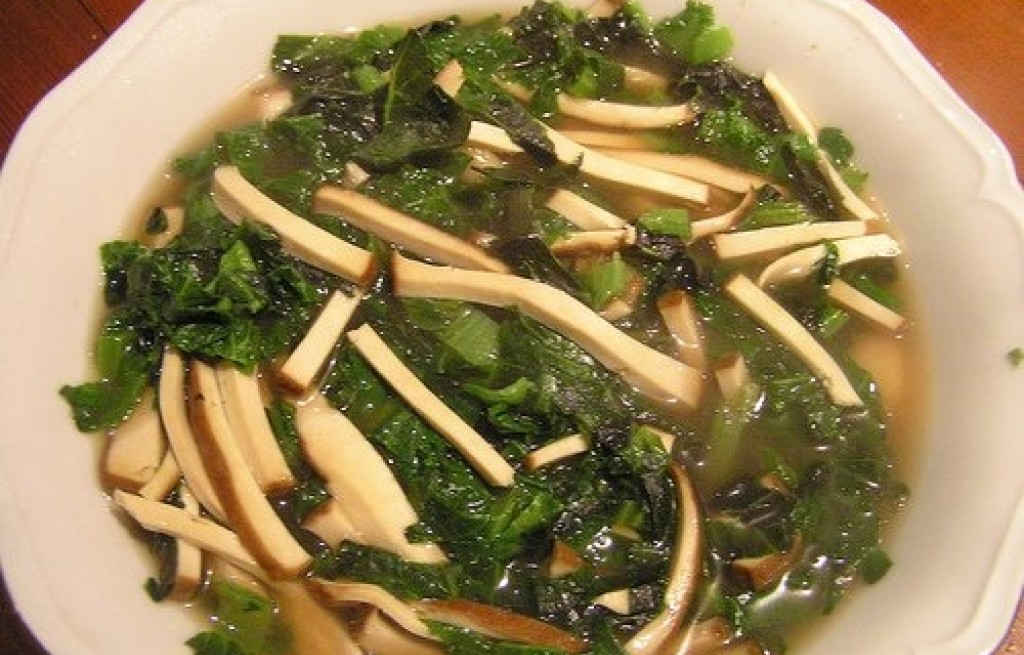 Zupa z tofu i szpinaku
