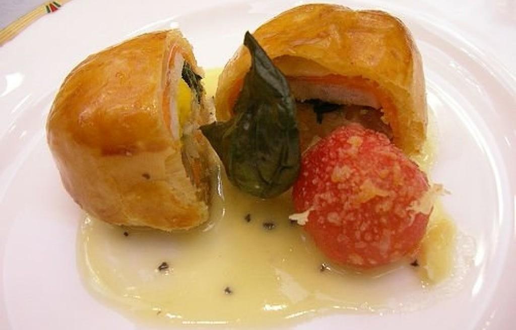 Terrine z łososia, pomidorów i chleba