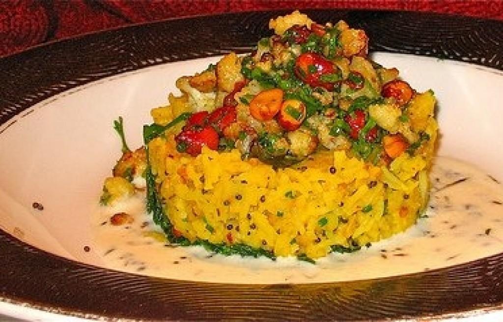 Ryż z ciecierzycą i fasolą w sosie kokosowym