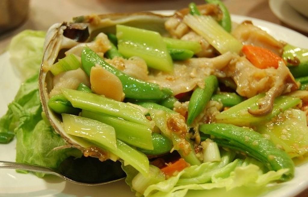 Ostrygi smażone z warzywami