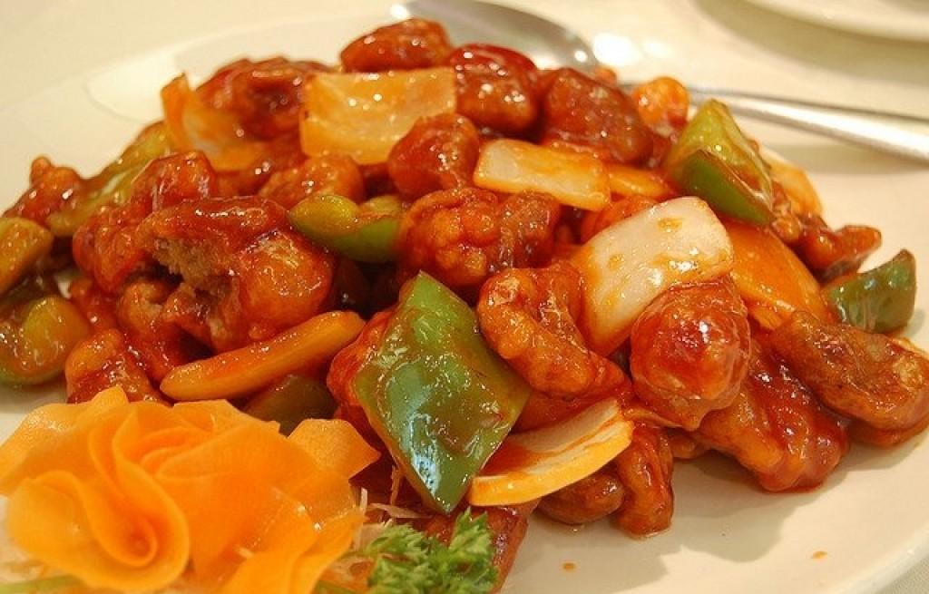 Wołowina i papryka i makaronem lasagne