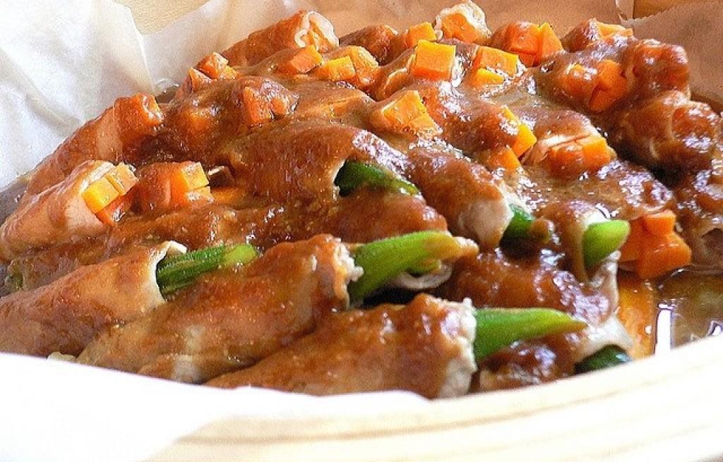 Wieprzowina z okrą i marchewką w sosie bambusowym