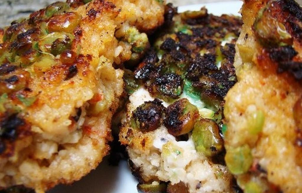 Burgery ryżowe z papryką i groszkiem wasabi