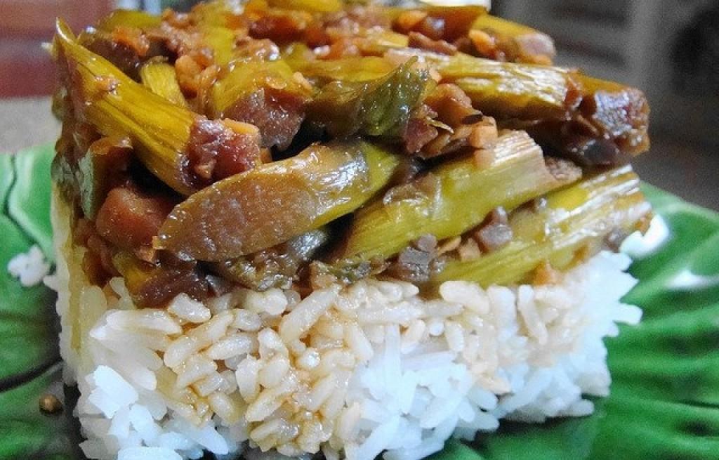 Zapiekanka z ryżu, pieczarek i szparagów