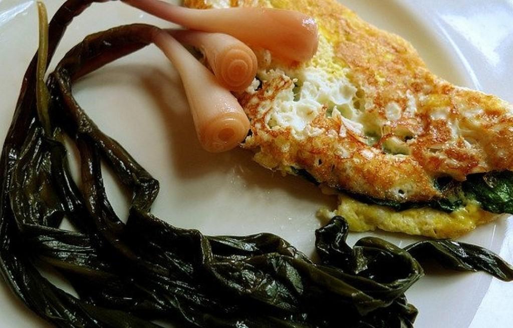 Omlet ze szpinakiem i szczypiorkiem