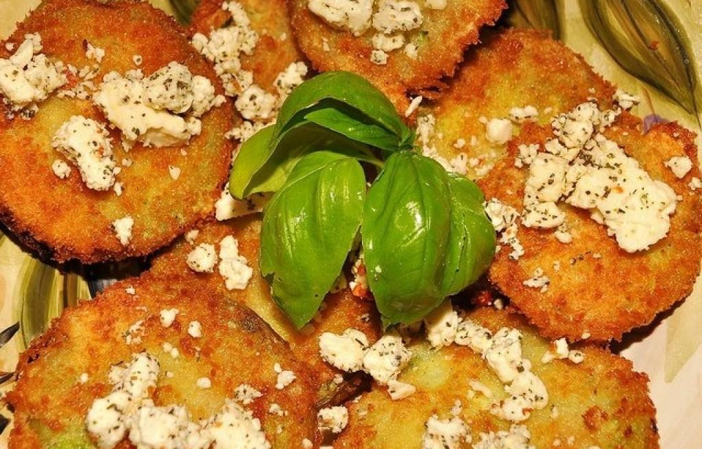 Smażone zielone pomidory z serem