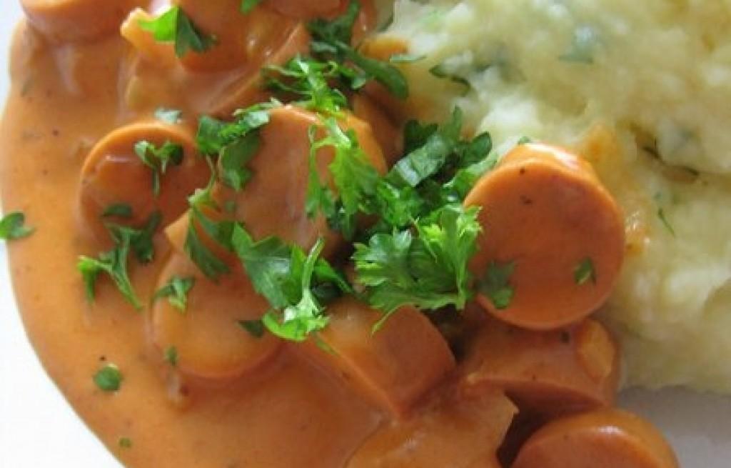 Ziemniaki z parówkami w sosie musztardowym