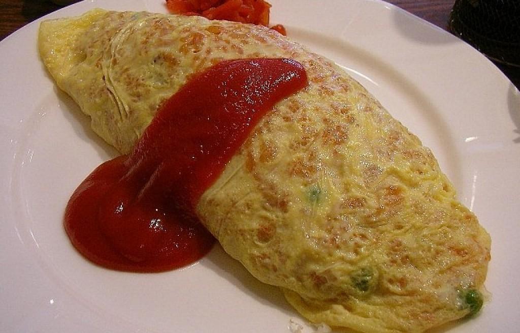 Omlet z groszkiem i marchewką