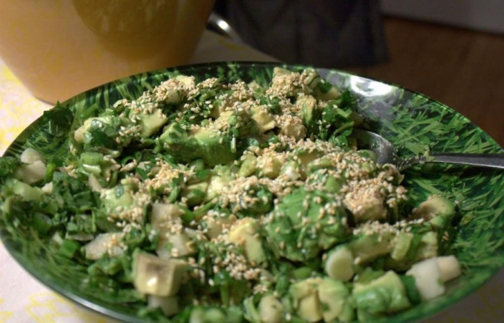 Sałatka z awokado i wasabi