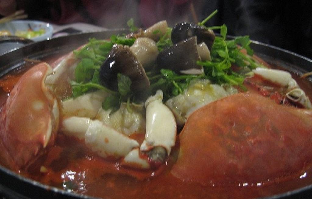 Kraby w sosie pomidorowym