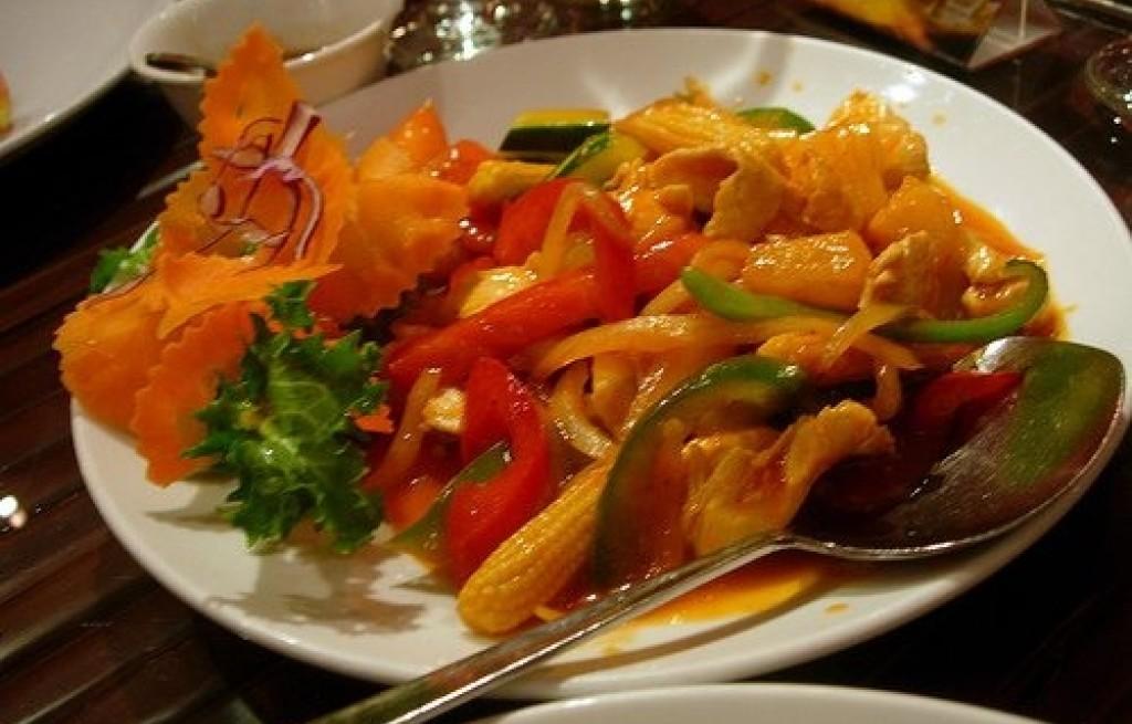 Papryka z kawałkami kurczaka w sosie balsamico