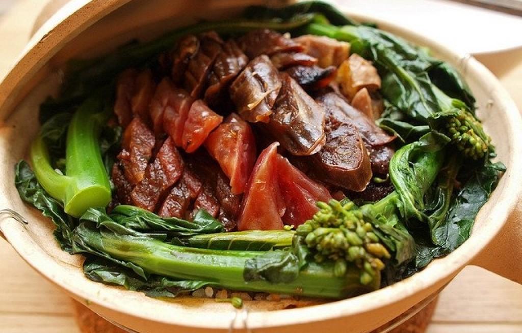 Ryż z mięsem, rybą i kapustą