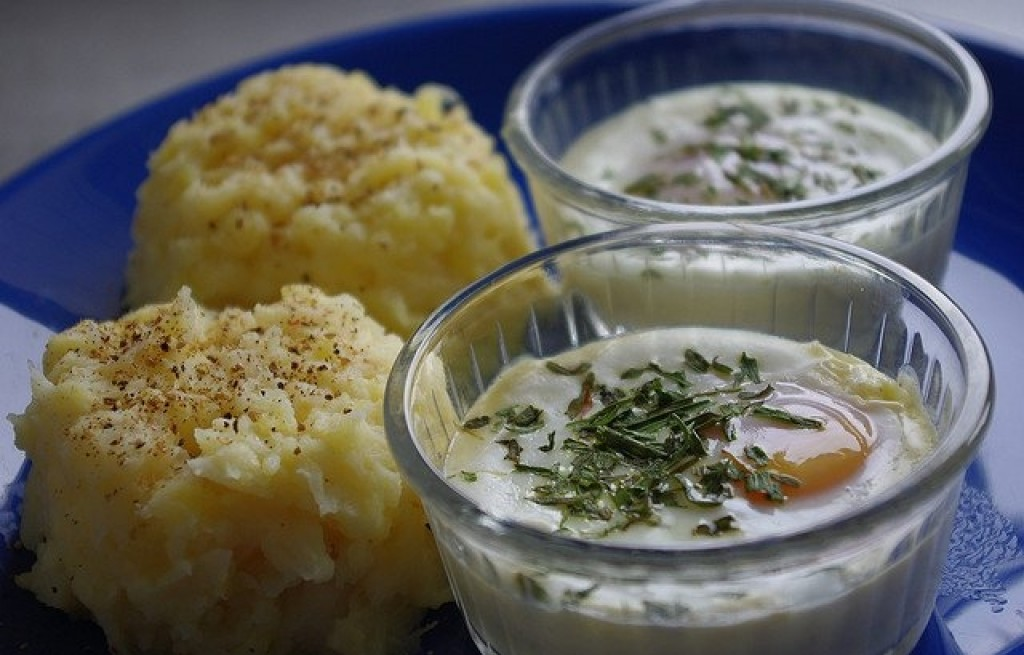 Puree z ziemniaków, selera i jajek