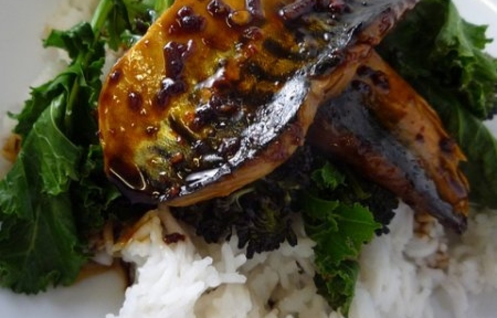 Makrela z ryżem i brokułami