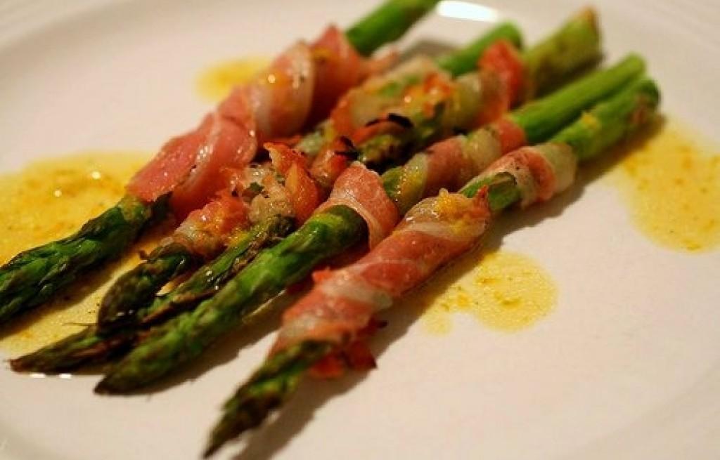 Szparagi z cielęciną