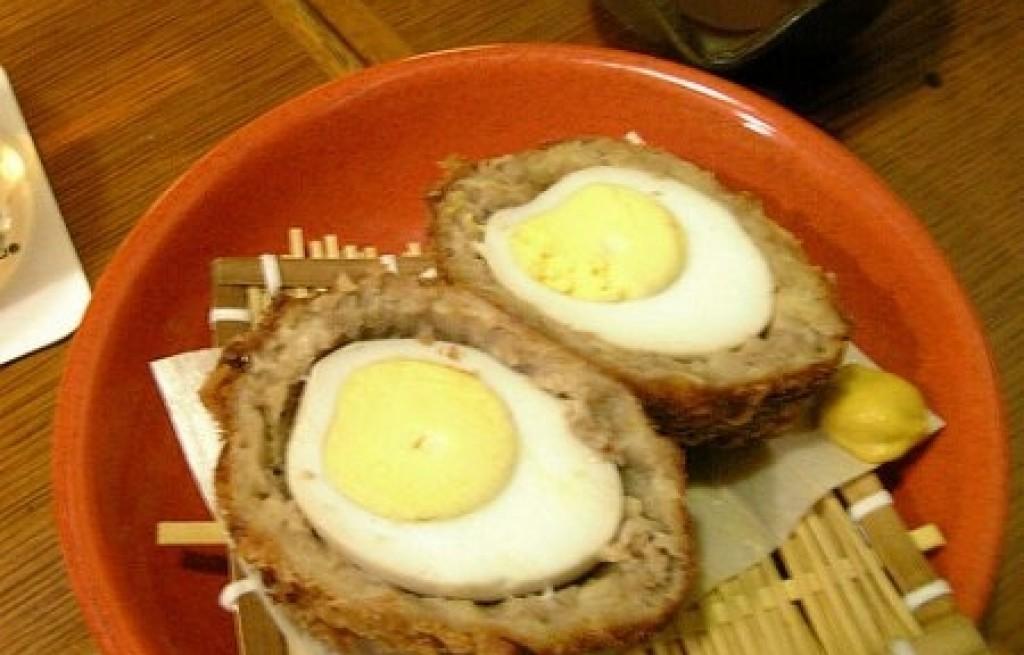 Jaja po szkocku z kaszanką