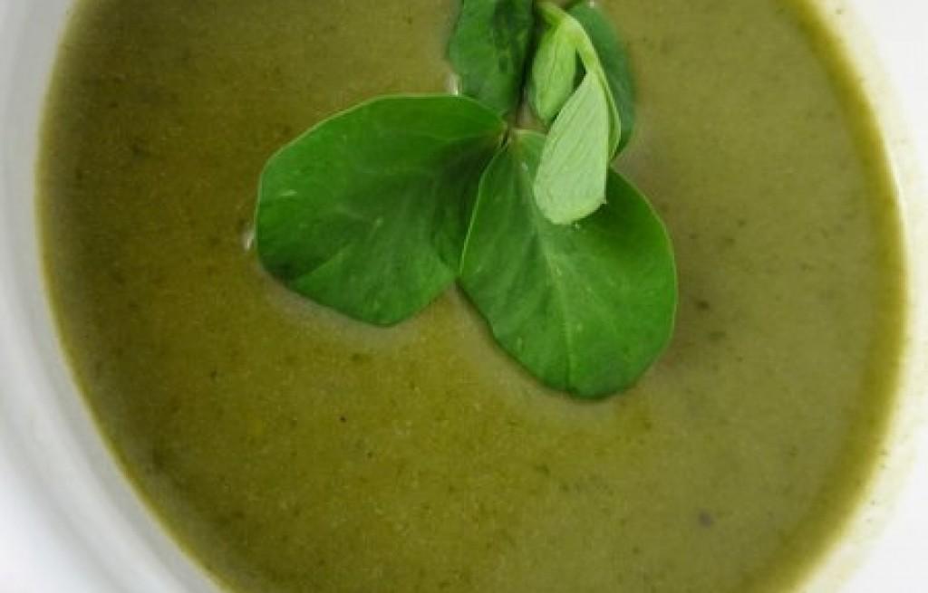 Zupa groszkowa z sałatą