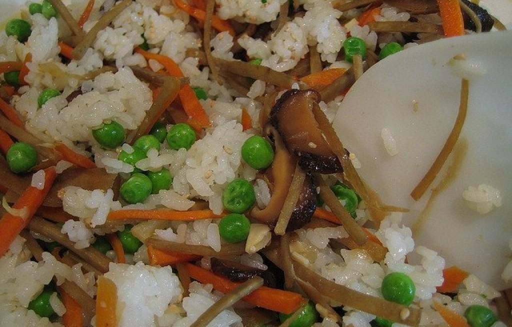 Ryż z prawdziwkami, groszkiem i selerem