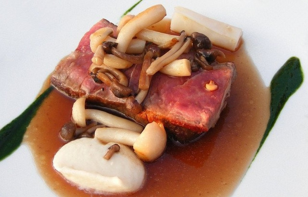 Wołowina z grzybami w sosie sojowym
