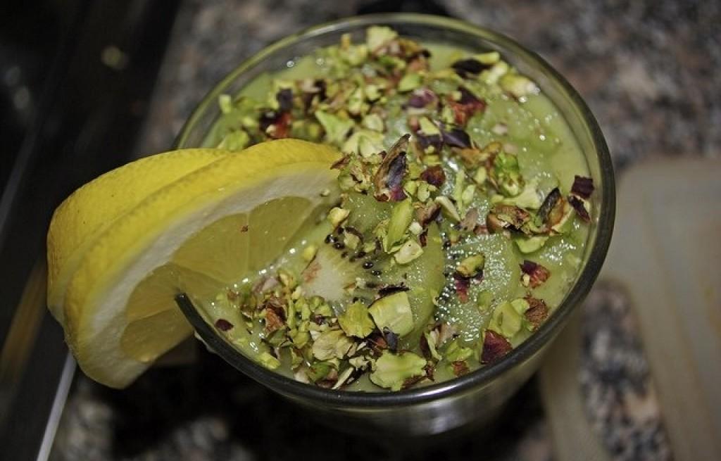 Smoothie z kiwi i pistacji