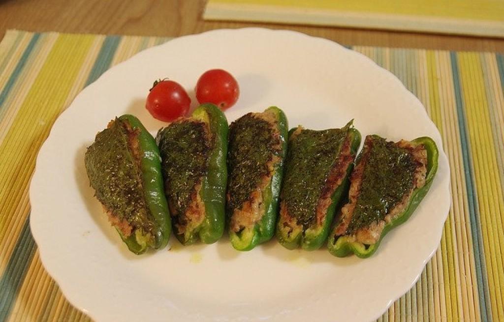 Papryka grillowana z mięsem i szałwią