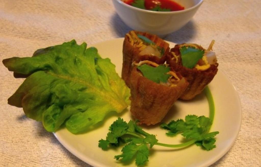 Paszteciki z makaronem, serem i sosem chili