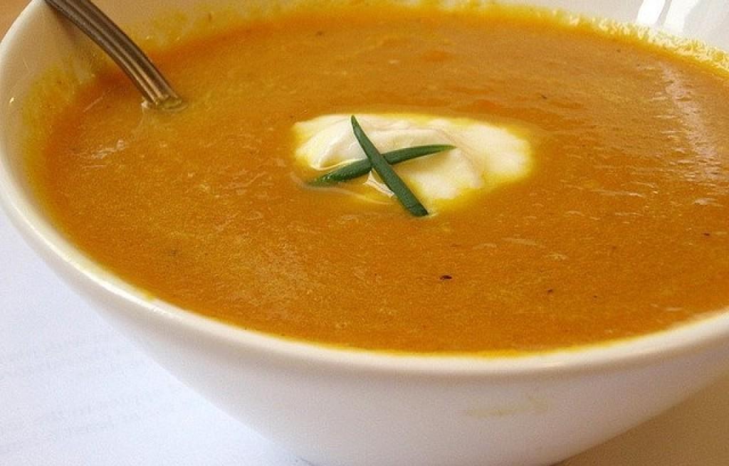 Zupa marchewkowa z curry