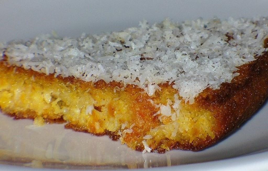 Ciasto marchewkowe z migdałami i wiórkami