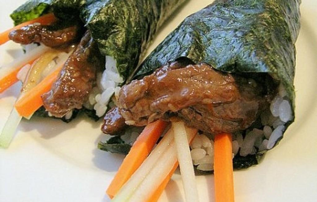 Wołowina z ryżem w nori
