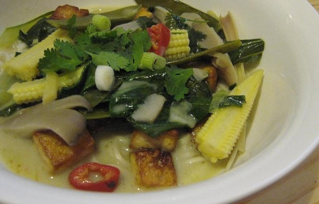 Tofu z warzywami i mlekiem sojowym