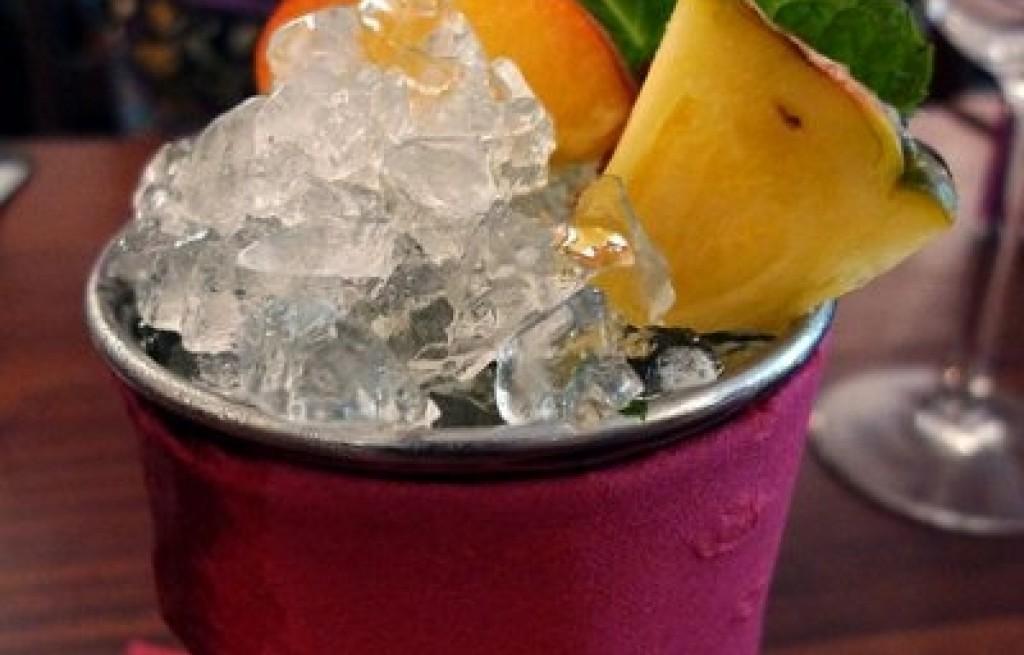 Drink ananasowo-brzoskwiniowy