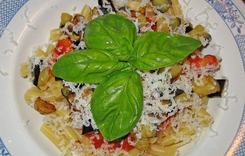 Casarecce z bakłażanem i pomidorami