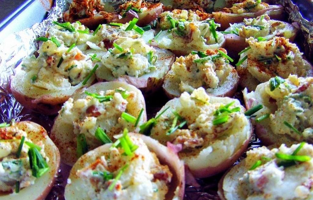 Ziemniaki nadziewane serem i bekonem