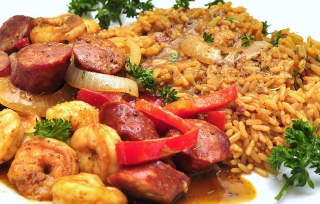 Kiełbasa z krewetkami i ryżem